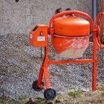 Comment gâcher du mortier ? Bétonnière, bac, aire de gâchage