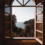 Les différentes formes de fenêtres : carrée, rectangulaire, ovale